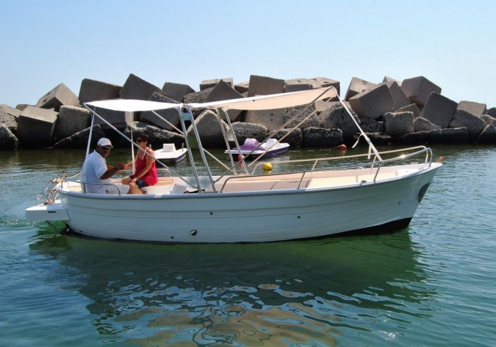 Hire Motor boat with or without skipper Gozzo Partenope Salerno