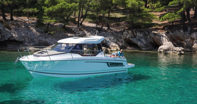 Motor boat for rent Cavtat at the best price