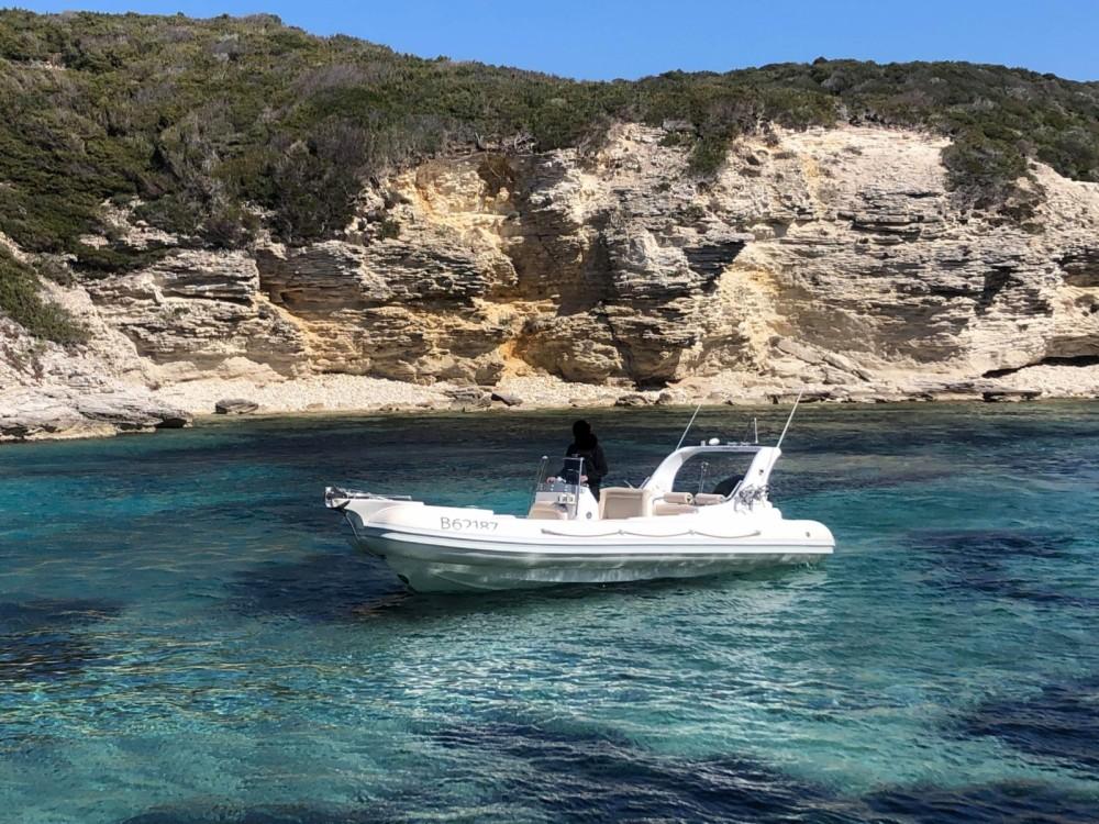 Louer Semi-rigide avec ou sans skipper Aga Marine à Bonifacio