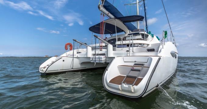 Location bateau Fountaine Pajot Lavezzi 40 à Arcachon sur Samboat