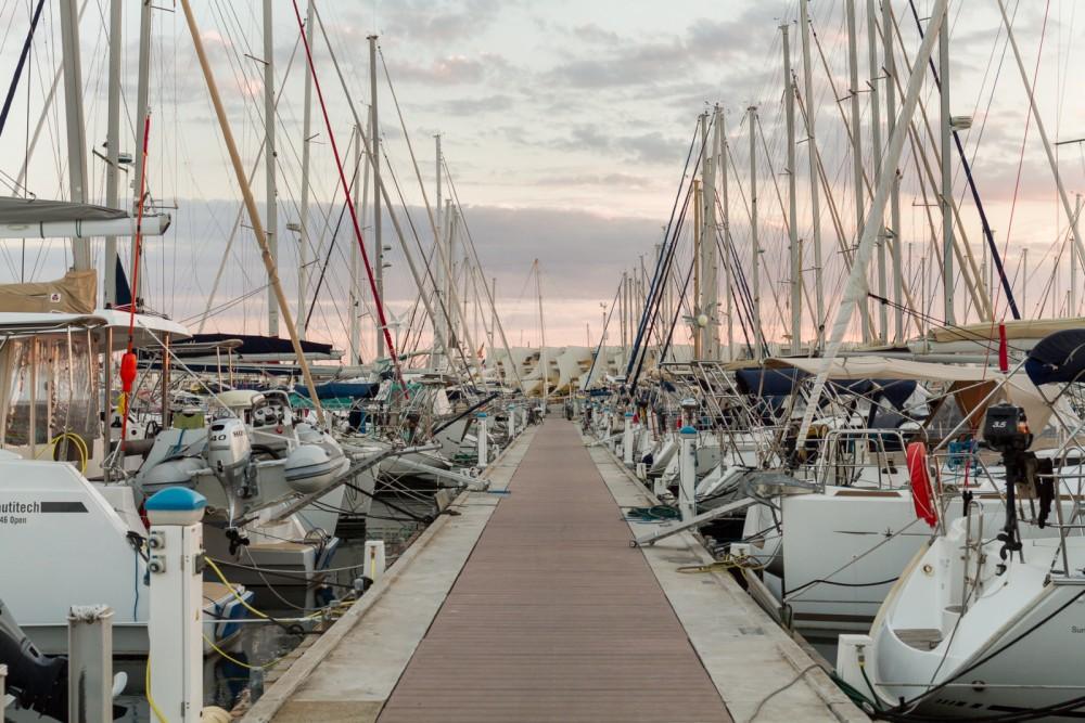 Alquiler de barcos Jeanneau Jeanneau 53 enLe Grau-du-Roi en Samboat