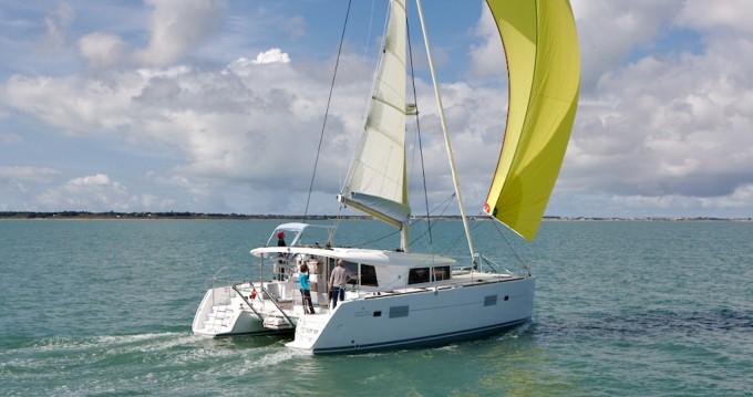 Louer Catamaran avec ou sans skipper Lagoon à Faro