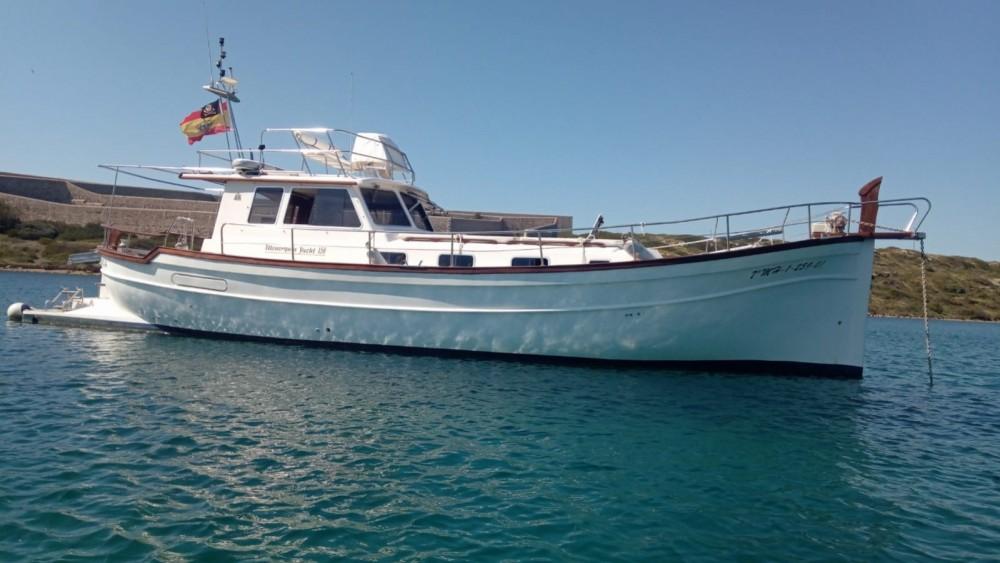 Boat rental Menorquin Yachts Menorquin Yachts 150 Fly in Maó on Samboat