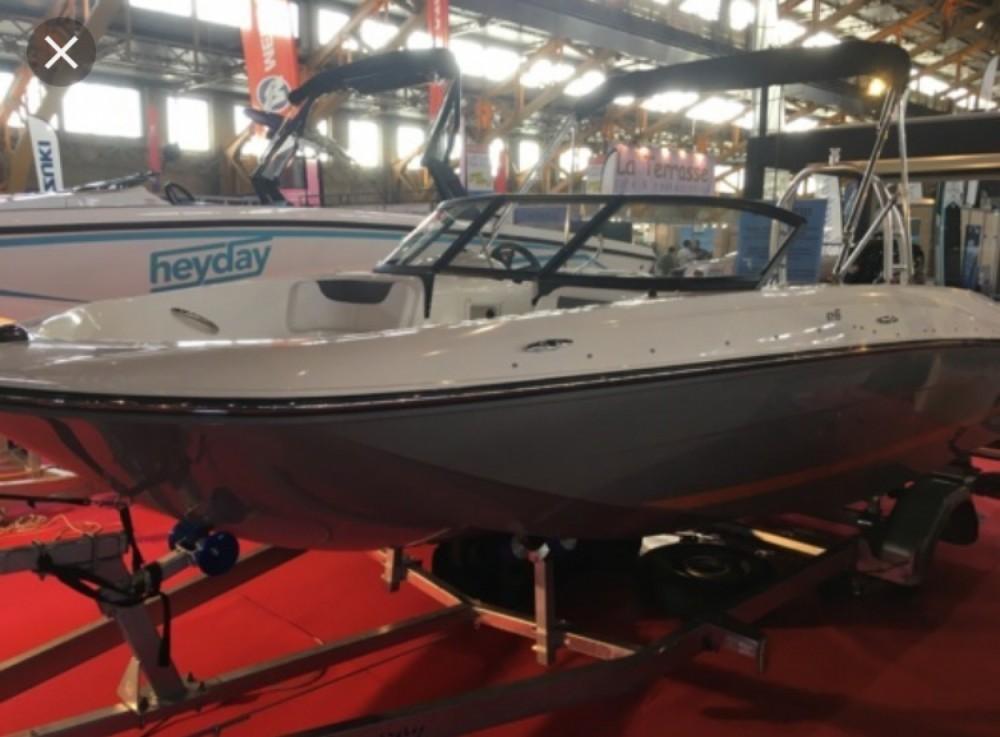 Bayliner E6 entre particuliers et professionnel à Annecy
