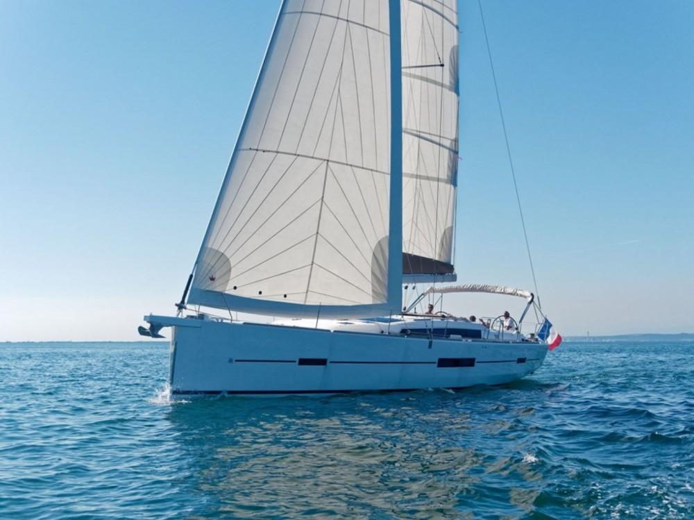 Location bateau Dufour Dufour 512 Grand Large à Cogolin sur Samboat