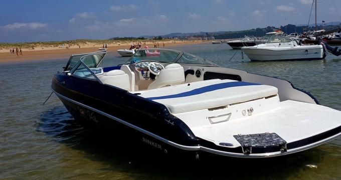 Location bateau Rinker 212 CAPTATIVA à Puerto Deportivo Marina del Cantábrico sur Samboat