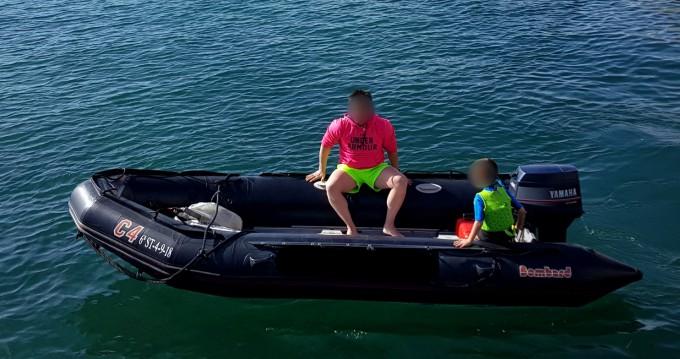 Louer Semi-rigide avec ou sans skipper Bombard à Santander