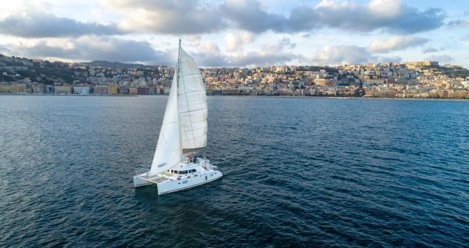 Location bateau Naples pas cher Lagoon 440