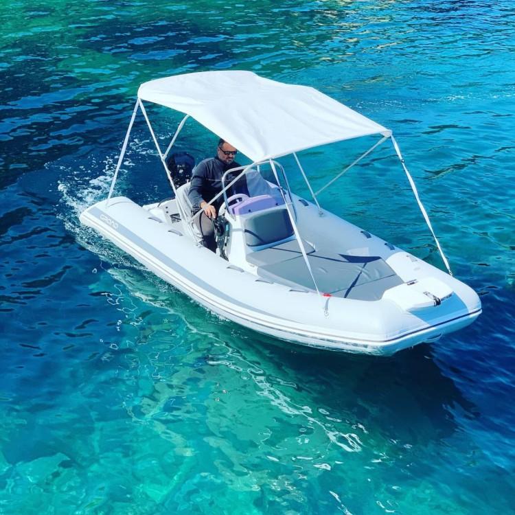 Location yacht à  - Grand Boats 470-SIN LICENCIA sur SamBoat