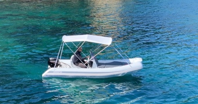 Louer Semi-rigide avec ou sans skipper Grand Boats à Torroella de Montgrí