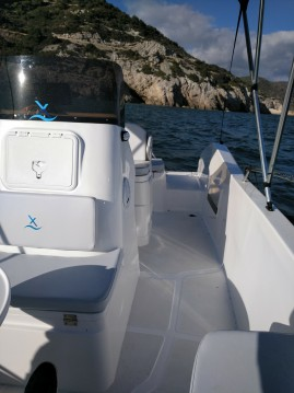 Location bateau Port Ginesta pas cher AXTILUX 600 OPEN