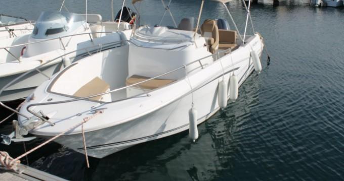 Bootverhuur Jeanneau Cap Camarat 7.5 Style in Propriano via SamBoat