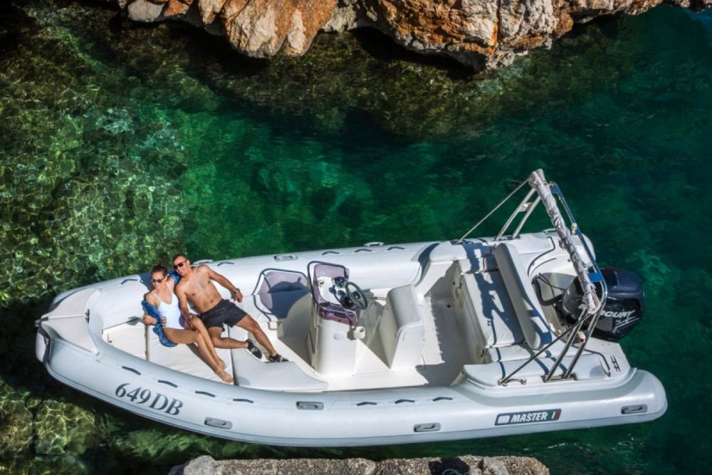 Boat rental Master Gommoni Master Gommoni 700 in Cagliari on Samboat