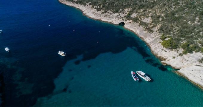 Location bateau Split pas cher Parasailing 34