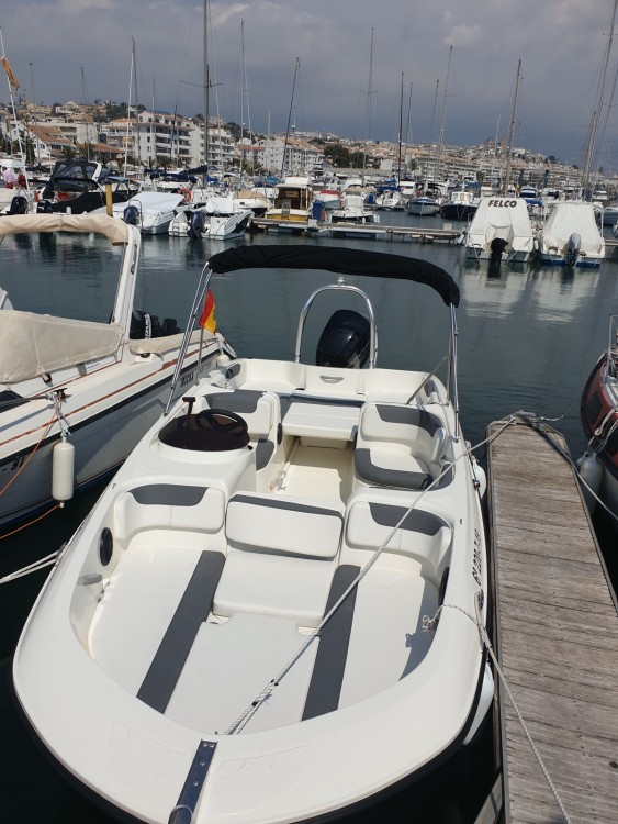 Huur een Bayliner E6 in Altea