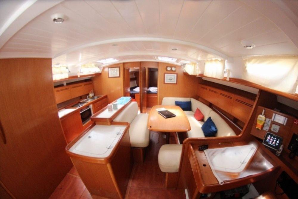 Louer Voilier avec ou sans skipper Bénéteau à Nikiti
