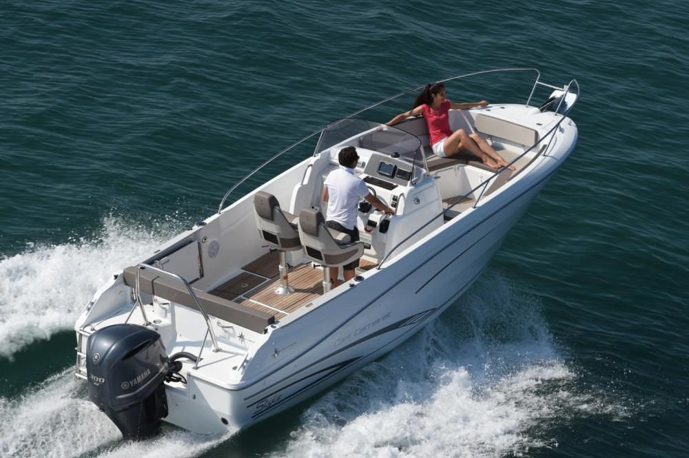 Location bateau Maó pas cher Cap Camarat 7.5 CC Serie 2