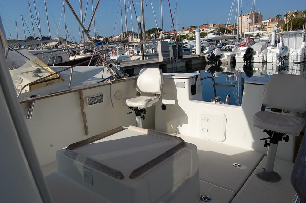 Bootverhuur Bandol goedkoop Antares 700 Fishing