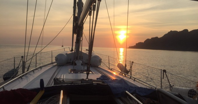 Sailboat for rent Loano at the best price
