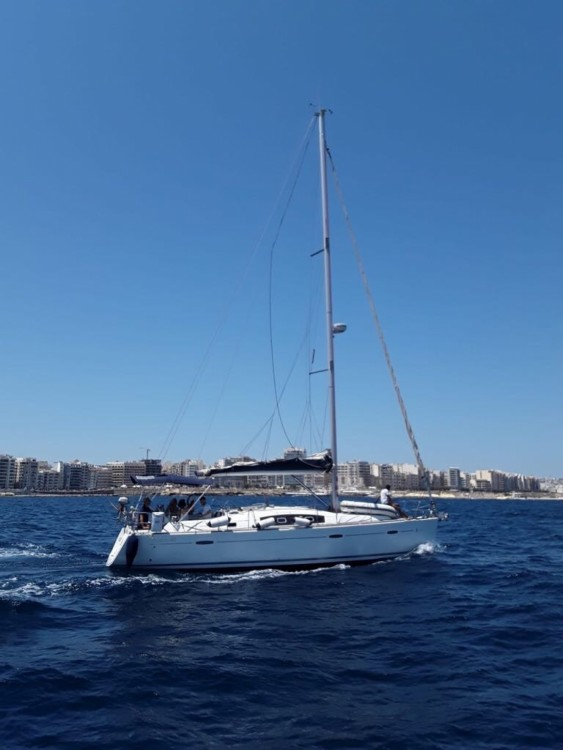 Bénéteau Oceanis 40 between personal and professional Kalkara