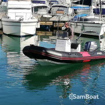 Location bateau Zodiac Pro 12 Man à Cogolin sur Samboat
