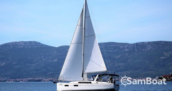 Bénéteau Oceanis 35 entre particuliers et professionnel à Split