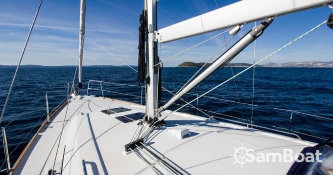 Louez un Bénéteau Oceanis 38 à Split