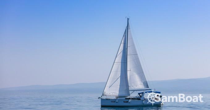 Bénéteau Oceanis 38.1 entre particuliers et professionnel à Split