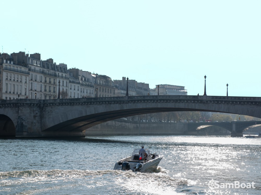 Location bateau Pacific Craft Pacific Craft 670 Open à Paris sur Samboat