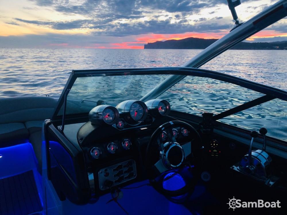 Verhuur Motorboot Mastercraft met vaarbewijs
