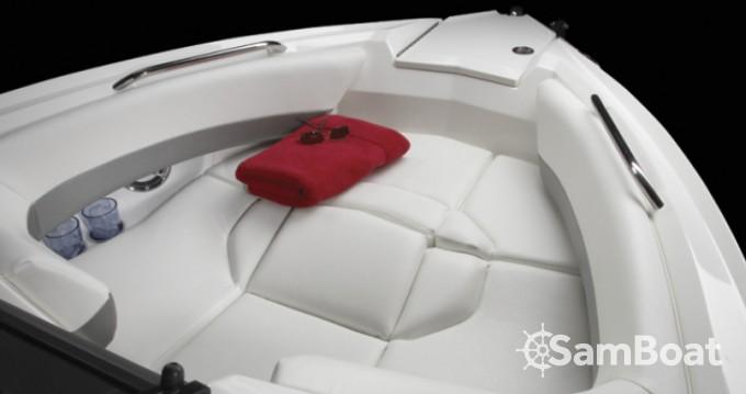 Location yacht à Split - Larson 268 Lxi sur SamBoat