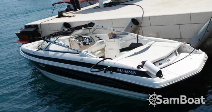 Location bateau Larson 268 Lxi à Split sur Samboat