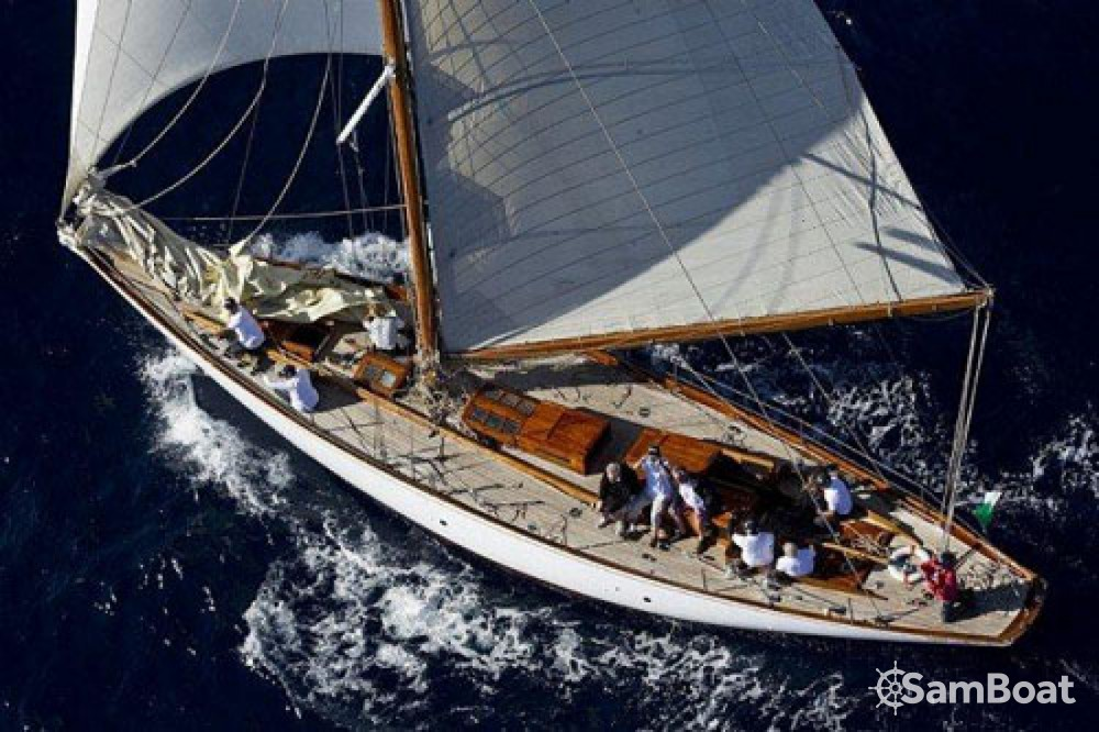 Alquiler de barcos Barcelona barato de COTRE BERMUDIEN