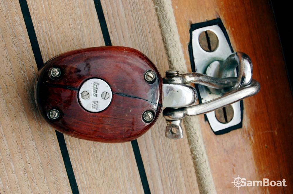 Alquiler Velero Wiliam-Fife con título de navegación