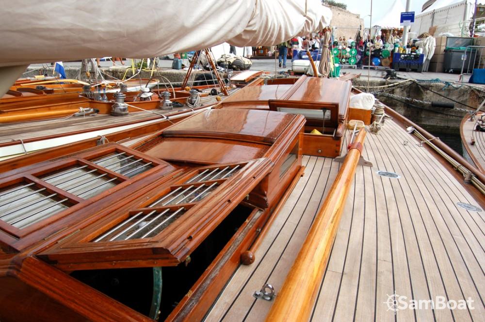 Louer Voilier avec ou sans skipper Wiliam-Fife à Barcelone