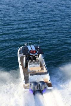 Location bateau Cogolin pas cher Cap Camarat 9.0 CC
