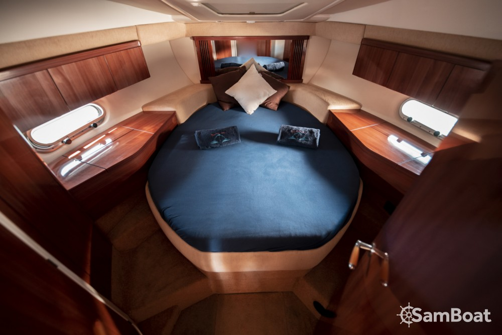 Vermietung Motorboot Sealine mit Führerschein