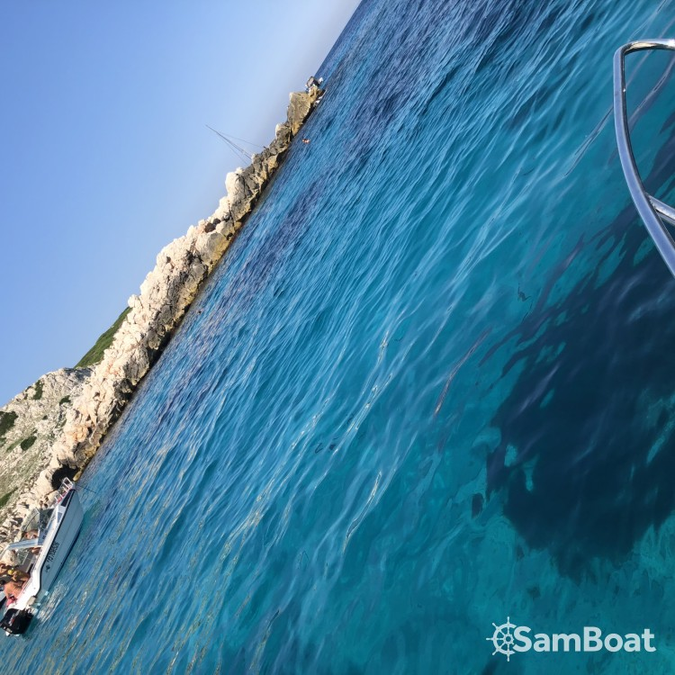 Location yacht à Marseille - Quicksilver Quicksilver 675 Activ Sundeck sur SamBoat