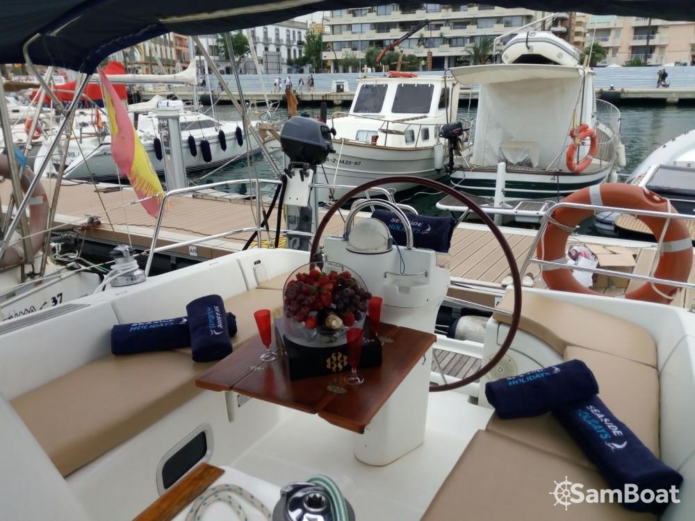 Bénéteau Oceanis 361 Clipper entre particuliers et professionnel à Ibiza Magna