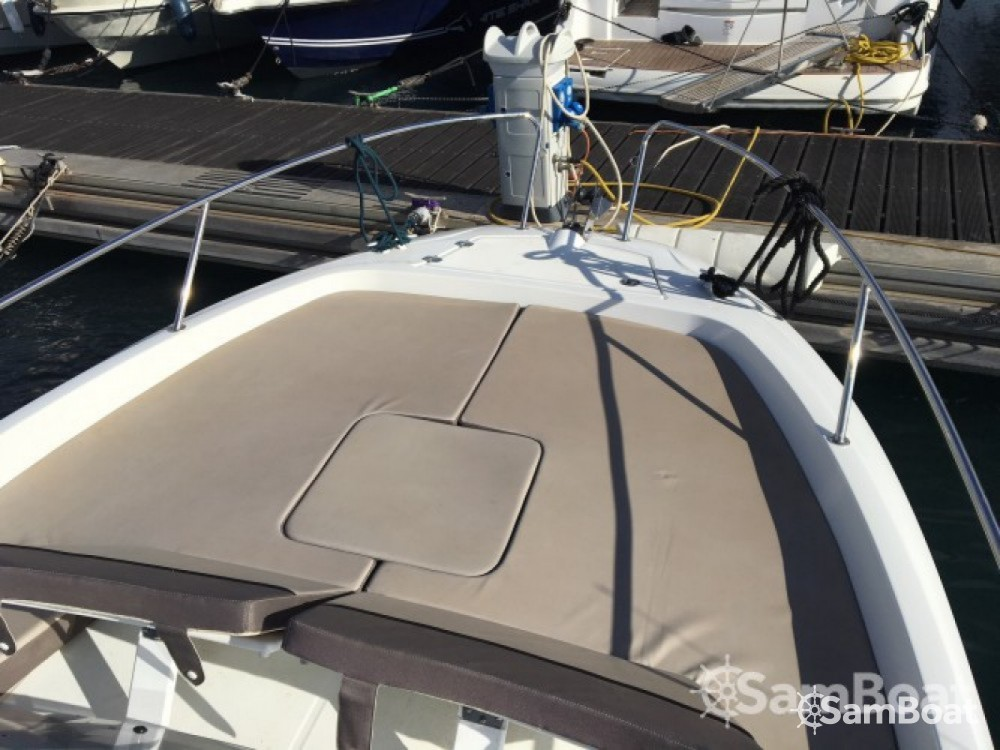 Location bateau Six-Fours-les-Plages pas cher Cap Camarat 7.55 WA