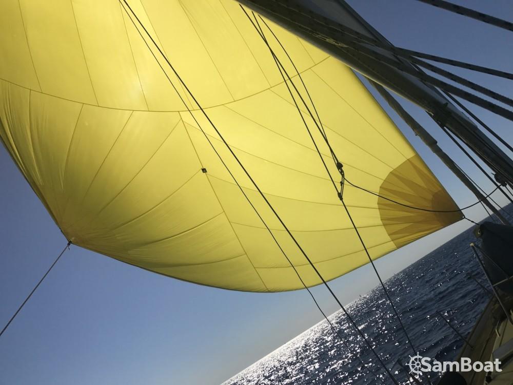 Location bateau Bénéteau Oceanis 523 Clipper à Antibes sur Samboat