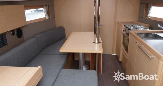 Location bateau Bénéteau Oceanis 35 à Arzon sur Samboat