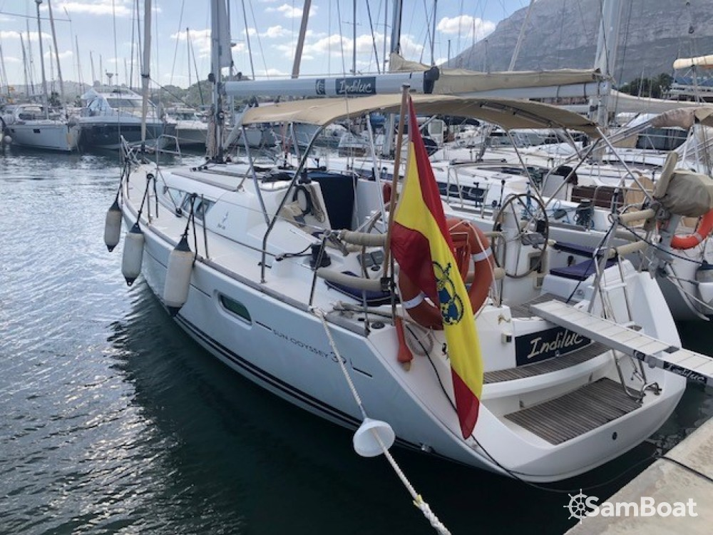 Jeanneau Sun Odyssey 39i between personal and professional Ibiza city