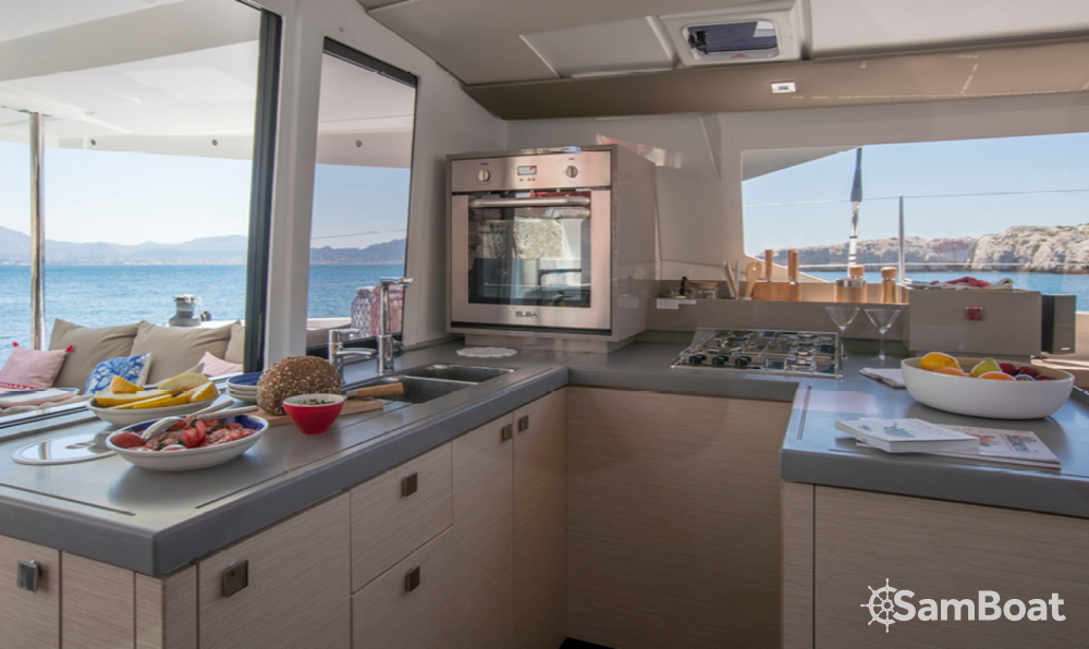 Hire Catamaran with or without skipper Fountaine Pajot Ibiza city