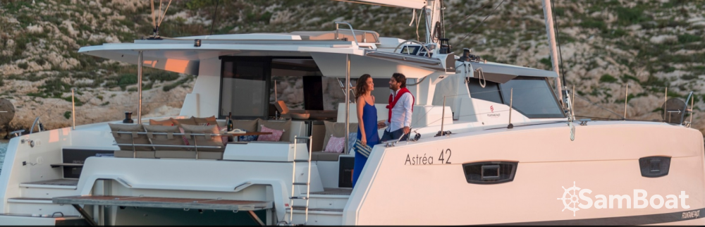 Rental yacht Ibiza city - Fountaine Pajot Astrea 42 on SamBoat
