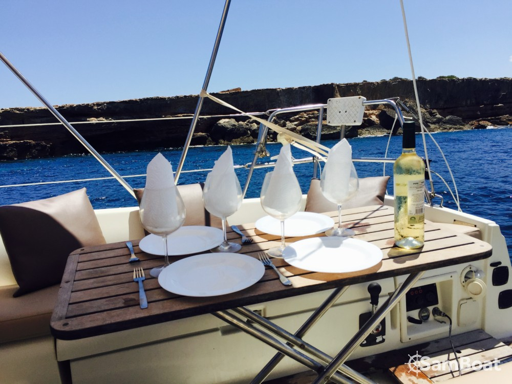 Jeanneau Sun Odyssey 28.1 between personal and professional Ibiza