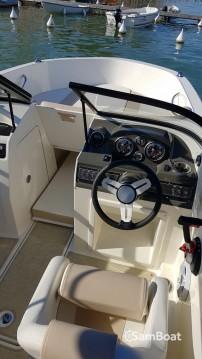 Louer Bateau à moteur avec ou sans skipper Bayliner à Annecy