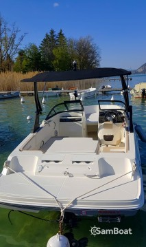 Location bateau Annecy pas cher VR4