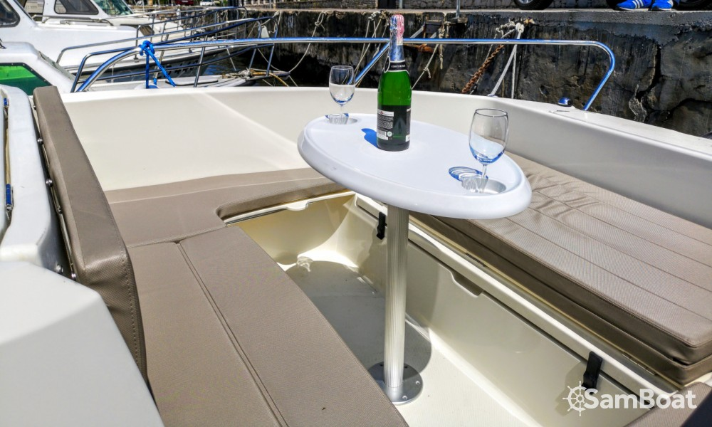 Location bateau Zadar pas cher Activ 605 Open Pack Sport