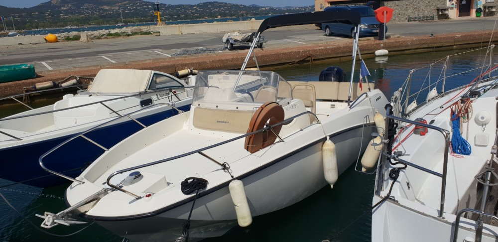 Jachthuur in Cogolin - Quicksilver Activ 675 Sundeck via SamBoat